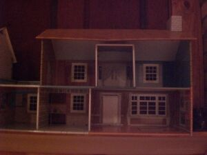 Litho tin dollhouse