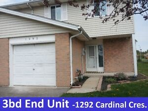 Beautiful 3BD – Townhouse in Tecumseh -Avail Immed -w/3 levels
