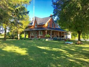 Country home 10 min. from Orillia in a picturesque setting.