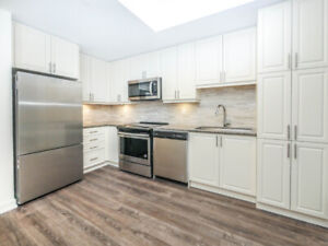 Gorgeous 2 Bed Penthouse Condo in Downtown Stouffville