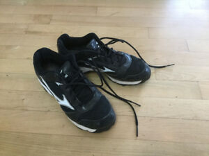 Mizuno Baseball Cleats - Sz 6