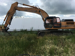 2005 CX330 Trackhoe with Hydraulic Thumb