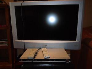 JVC LT-32X506 TV and LG DVD Player