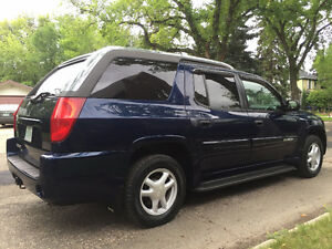 HARD TO FIND...2004 Envoy XUV 4x4... LOW KMS...ONLY 113k