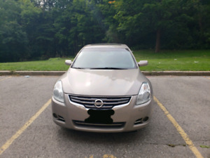2011 Nissan Altima 2.5special edition very low kms