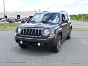 2015 JEEP PATRIOT with Leather, Sunroof and Heated Seats!