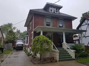BEAUTIFUL CHARACTER HOME IN DOWNTOWN SARNIA!
