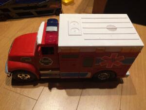 Lot de 5 camions-jouets
