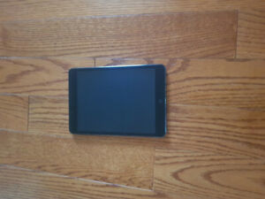 Ipad Mini 1st Gen 16GB with Box and charger