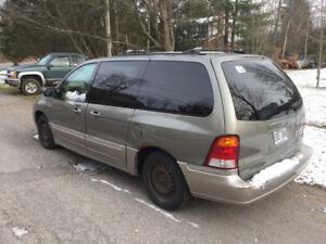 7 seats minivan