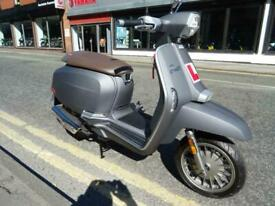 LAMBRETTA V50 SPECIAL GREAT FOR THE 16 YEAR OLD WANNABE MOD