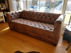Modern Tuffted Sofa Couch