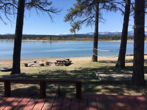 3 Bedroom Lakefront Vacation Rental Home on Wasa Lake
