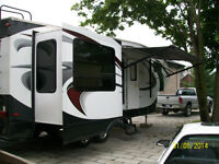Roulotte chaparral coachmen fifth wheel 30 pieds
