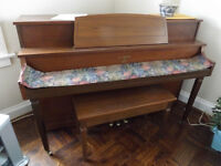 Piano in excellent working condition - Willis LaRonde