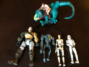 SEVERAL STAR WARS FIGURES, TEN SPACE SHIPS AND BOBBLEHEAD