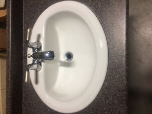 Porcelain sinks with Taps -$40 each or 3 for $100 Edmonton Edmonton Area image 4