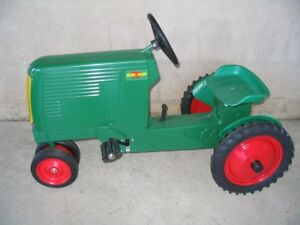 Oliver Pedal Tractor