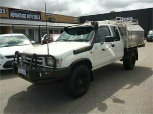2000 Toyota Hilux LN172R (4x4) White 5 Speed Manual 4x4 X Cab Cab Chassis Wangara Wanneroo Area Preview