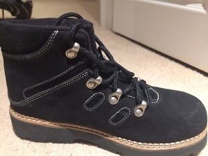 Youth sorel fall winter hiker boots Kitchener / Waterloo Kitchener Area image 2