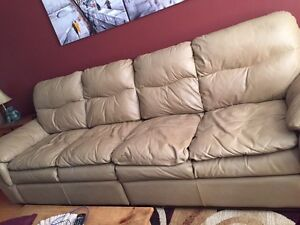 Beautiful Quality Leather Couch