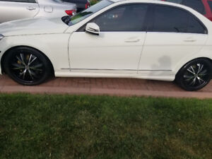Mercedes 18 inch Rims with tires