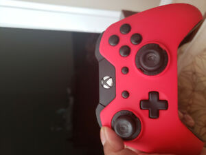 XBOX ONE SCUF CONTROLER (BRAND NEW MINT CONDITION)