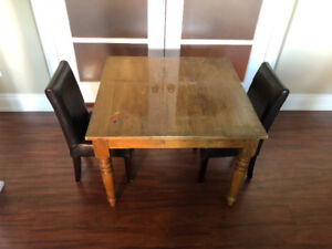 Child size table with 2 chairs