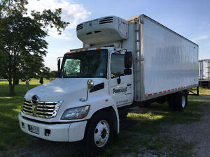 2007 Hino 26ft Insulated Box w/Thermo King MD200