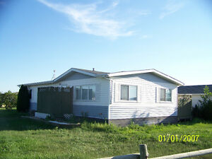 Spacious & bright double wide mobile home