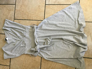 LARGE GARBAGE BAG women's size SM-MED clothing (6 photos) Kingston Kingston Area image 4