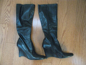 Steve Madden ladies boots in black!