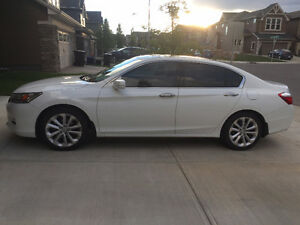 2013 Honda Accord Touring V6 Sedan w/ All season & Winter Tires