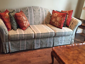 Sklar Peppler Couch Buy Amp Sell Items Tickets Or Tech In Toronto Gta Kijiji Classifieds