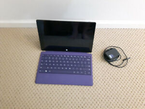 Microsoft surface RT 1516 32gb(incl. power adapter and Keyboard)