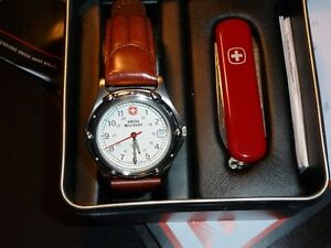 SWISS   MILITARY GENUINE SWISS ARMY INC COUTEAU