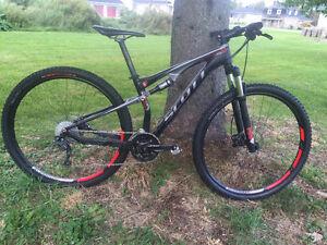 Vélo de montagne Scott Spark 29po double suspension