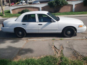 2010 Ford Crown Victoria Low Kms