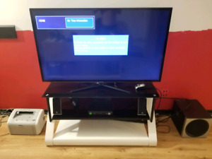 "Samsung 55"" Flat Screen & TV Stand (Tempered Black Glass)"