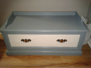 BEAUTIFUL WHITE AND BLUE-GREY STORAGE CHEST ***$50.00***