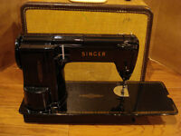 SINGER 301A 1950s FEATHERWEIGHT SEWING MACHINE