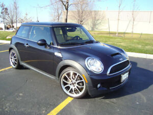 Mini Cooper S: A legendary car that still flaunts iconic styling