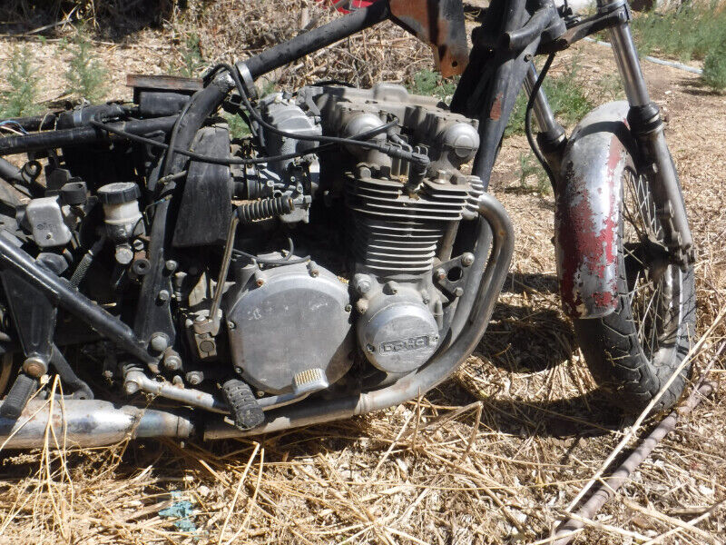 1977 KAWASAKI KZ1000 Parts Bike Motor turns over For Repair