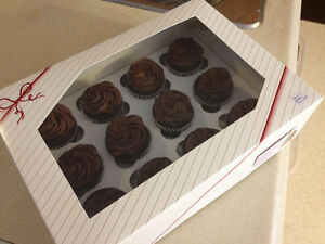 Windowed cupcake/cake boxes and inserts