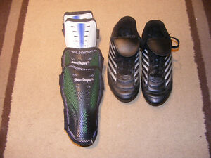 Soccer Cleats Size 3 Youth and 2 pairs of Shin Pads