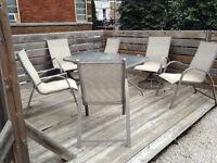 Set de patio 1 table et 6 chaises