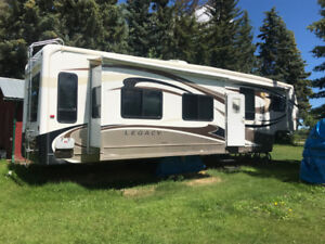 2009 Jayco Legacy 36 RLMS 5th Wheel Trailer Reduced