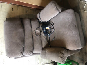 Electric reclining lift chair