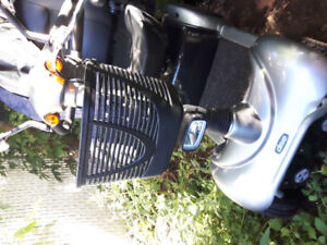 Prowler 3410 Scooter EXCELLENT CONDITION