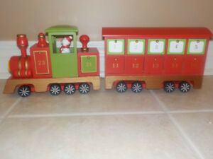 "CHRISTMAS ADVENT CALENDAR ""WOODEN TRAIN"" BY GIFTCRAFT"